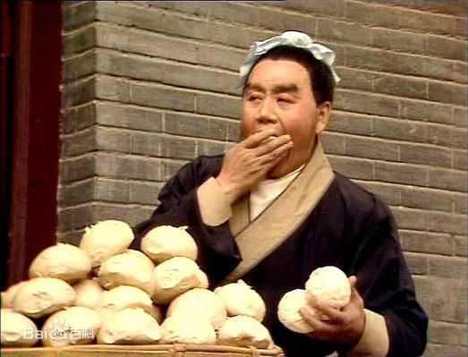 Ông sợ nhất phải ăn cơm ở phim trường vì không có đồ riêng cho người tộc Hồi như ông.
