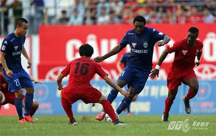 B.Bình Dương sở hữu dàn sao sáng nhất V-League (Ảnh: Quang Minh)