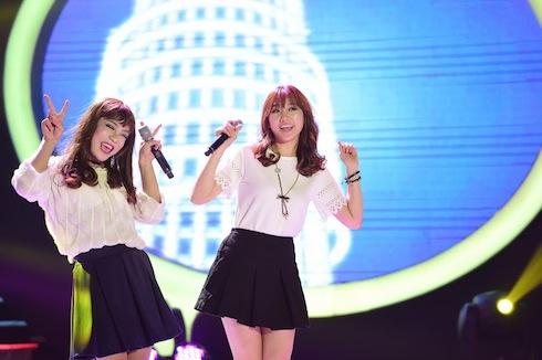 Đỗ Duy Nam còn nhảy Gwiyomi cùng Hari Won để tặng Trấn Thành.