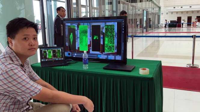 Màn hình máy soi kiểm tra an ninh - Ảnh: Việt Dũng/TTO