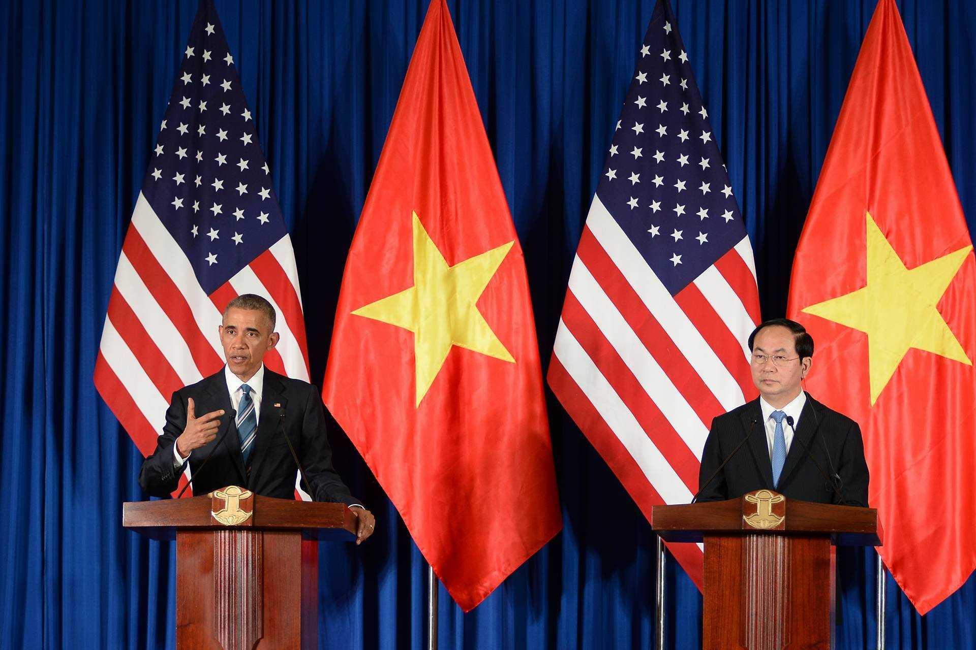 Ông Obama tại cuộc họp báo chung với Chủ tịch nước Trần Đại Quang (ảnh: Tùng Đinh)