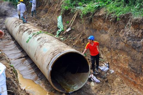 Đường ống nước sông Đà giai đoạn 1 liên tiếp gặp sự cố
