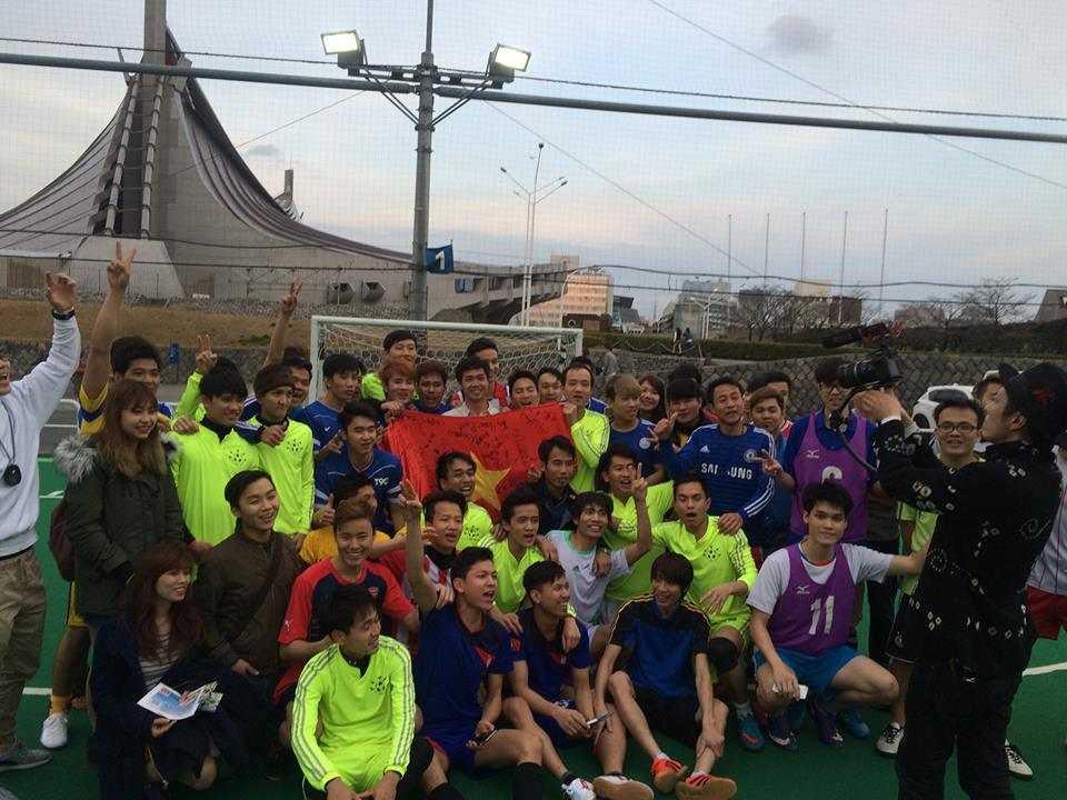 Công Phượng giao lưu với cộng đồng người Việt tại Tokyo