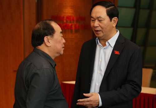 Chủ tịch nước Trần Đại Quang chia sẻ bên lề hành lang Quốc hội