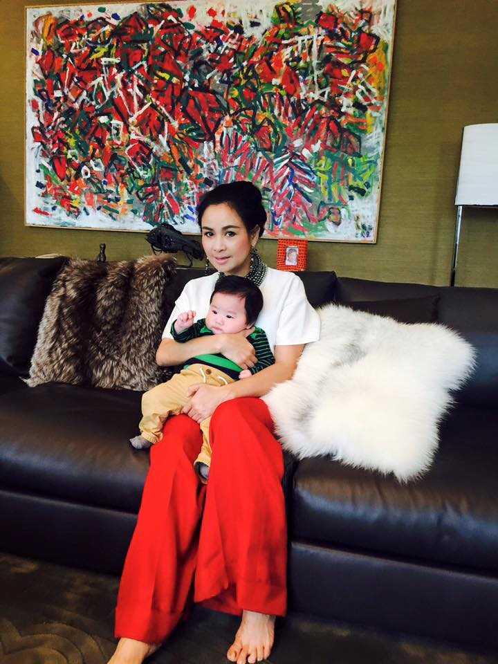 Con trai Tùng Dương chụp ảnh cũng Diva Thanh Lam