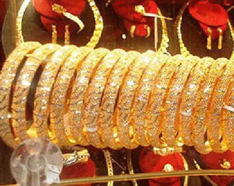 Vàng SJC đuối sức so với giá vàng thế giới