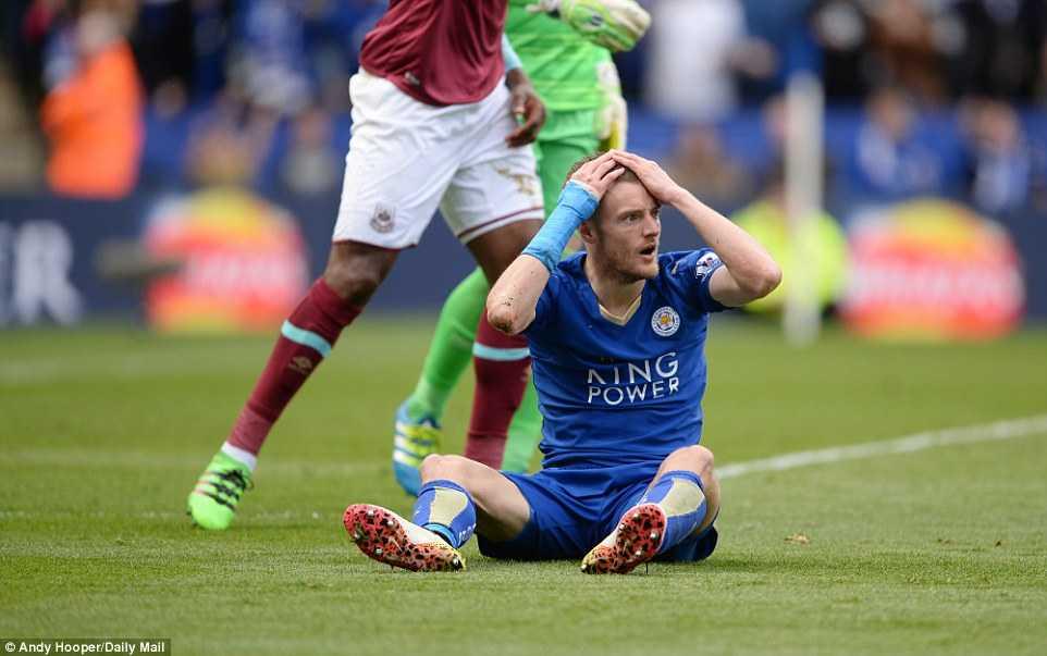 Tưởng rằng Leicester City được hưởng phạt đền