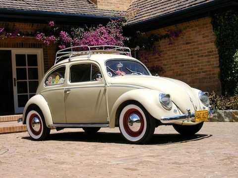 Những chiếc xe của thập niên 50 thế kỷ 20 như chiếc Volkswagen Beetle này đã sở hữu thiết kế cửa sổ