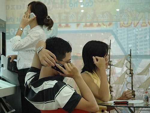 Nguyên nhân của việc hàng loạt thuê bao MobiFone không gọi điện, nhắn tin được là do MobiFone  nâng cấp hệ thống tổng đài để nâng cao chất lượng dịch vụ, phục vụ khách hàng trong dịp Lễ 30/04, 01/05 sắp tới.