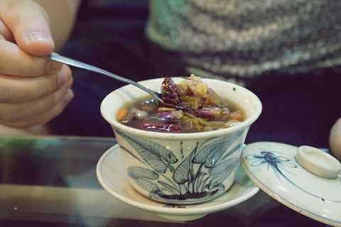 Một tách trà đạo tại Yên Hoa Trà - một trà quán lâu năm nổi tiếng tại Hà Nội