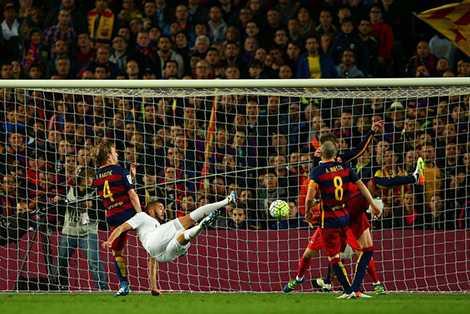 Benzema khởi đầu cho cuộc lội ngược dòng của Real Madrid
