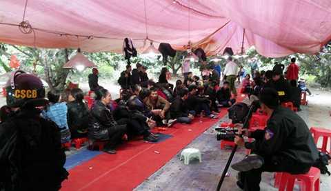 176 đối tượng tham gia sát phạt nhau trong sới bạc khủng tại thị xã Đông Triều, Quảng Ninh, thu giữ gần nửa tỷ đồng