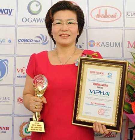 Đối tượng Nguyễn Thị Thu, Chủ tịch HĐQT Công ty Cổ phần Đầu   tư Thương mại và Phát triển Việt Phát (Công ty Vipha Việt Nam)