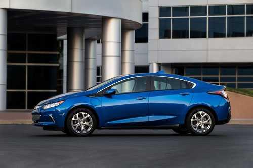 3. Chevrolet Volt Premier (37.520 USD - khoảng 835,20 triệu đồng).