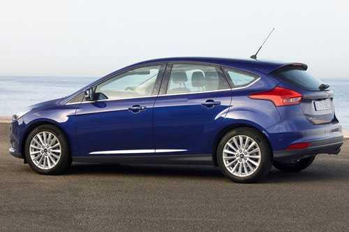 10. Ford Focus Titanium (22.700 USD - khoảng 505,30 triệu đồng).