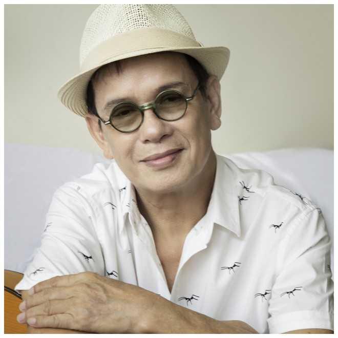 Hơn 50 năm làm nghệ thuật, Đức Huy đã cho ra đời hàng trăm ca khúc trữ tình.