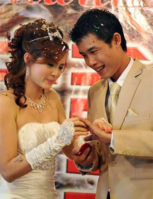 Vào năm 2010, Hiệp Gà kết hôn với Thu Trang tại một khách sạn lớn ở Hà Nội. Tuy nhiên, cuộc hôn nhân này chỉ tồn tại trong thời gian ngắn.