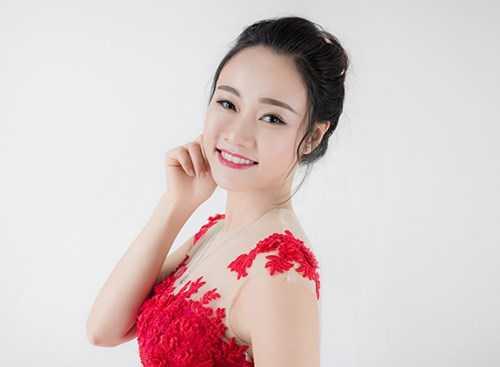 Nữ sinh Nguyễn Thảo Phương. Ngày sinh: Sinh ngày 3/07/1994, SBD 036, K57 văn học.