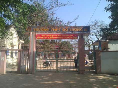 Cổng Trường THPT Đô Lương 3.