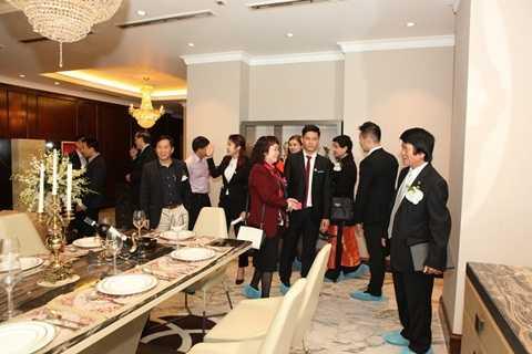 Rất đông khách mời đã tận mắt chiêm ngưỡng công trình xa xỉ nhất Thủ đô