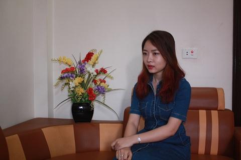 Chị Hoàng Thị Hồng Hạnh cho rằng, thẻ ATM Ngân hàng VIB của chị đã bị hack...