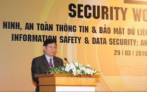 Theo ông Nguyễn Văn Thỉnh, hiện đang có   đã có 100 mẫu mã độc huộc 4 dòng chuyên khai thác lổ hổng bảo mật ứng   dụng tấn công vào hệ thống Việt Nam
