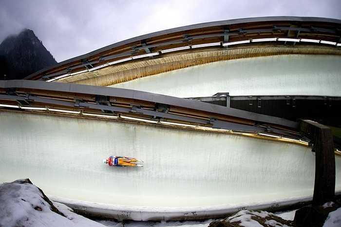 Vận động viên trượt máng tuyết ở Koenigssee, Đức
