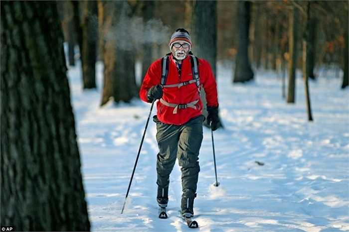 Trượt tuyết ngay trong công viên chứ không cần đi đến các điểm du lịch mùa đông