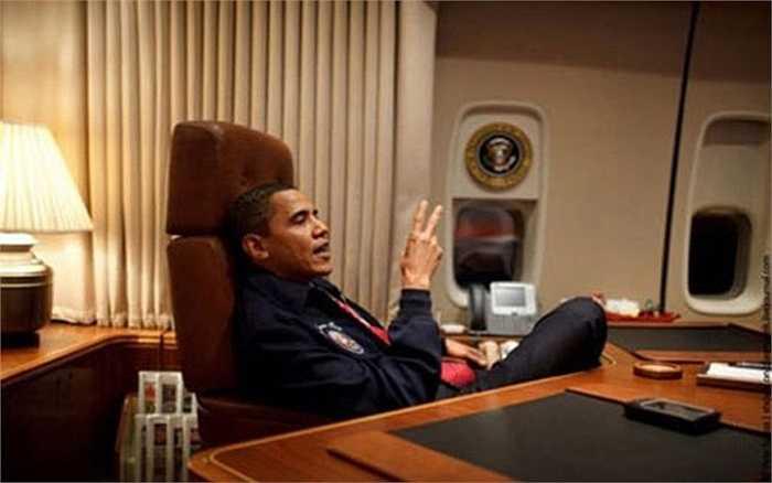 Phòng làm việc sang trọng của ông Obama trên chuyên cơ riêng.