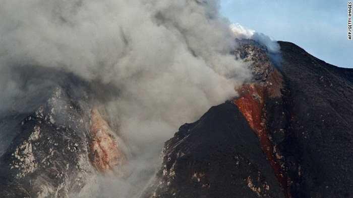Từ tháng 9 năm ngoái đến nay, núi lửa Sinabung đã nhiều lần thức giấc