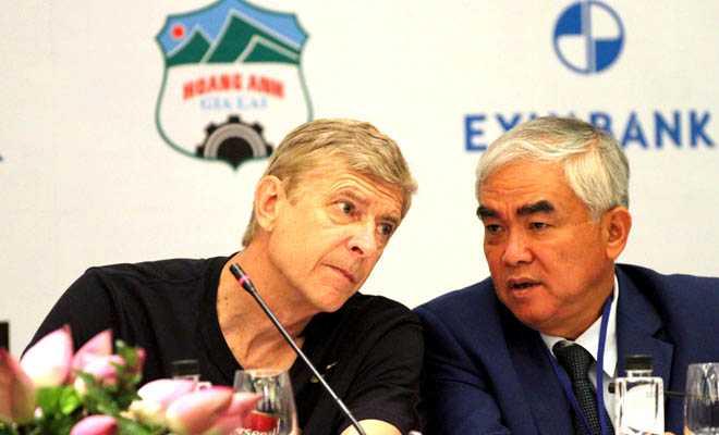 Ông Lê Hùng Dũng đóng vai trò lớn trong việc đưa Arsenal tới Việt Nam du đấu