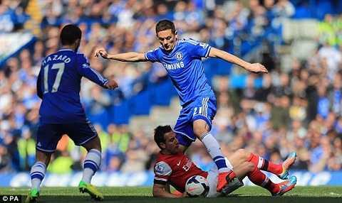 Chelsea hoàn toàn lấn át trước đối thủ cùng thành phố.
