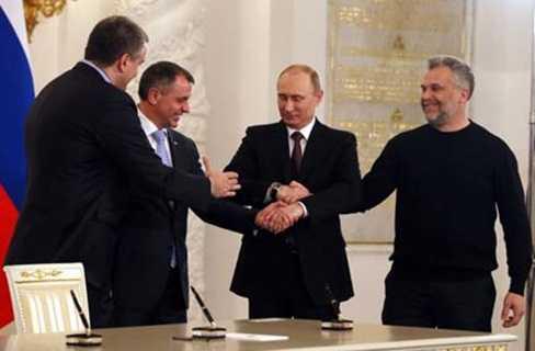 Tổng thống Nga Putin và các nhà lãnh đạo Crưm