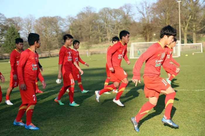Những đội bóng U19 Việt Nam gặp tại Bỉ, Hà Lan sẽ mạnh không kém tại Anh. Đặc biệt, tại Hà Lan không loại trừ khả năng U19 Việt Nam sẽ gặp đội trẻ của Ajax.