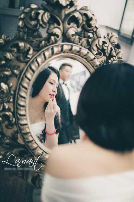 Bức ảnh cưới của Tuấn Hưng và Hương Baby bị rò rỉ trên mạng.