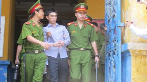 Hồ Duy Trúc lại tiếp tục đối mặt với một bản án tử hình ở phiên tòa phúc thẩm (Ảnh: T.Quân)