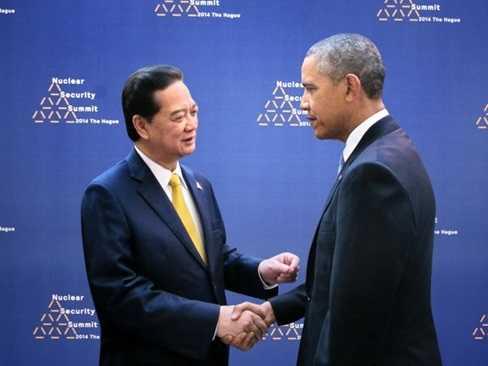 Thủ tướng Nguyễn Tấn Dũng gặp gỡ Tổng thống Hoa Kỳ Barrack Obama. (Ảnh: Đức Tám/TTXVN)