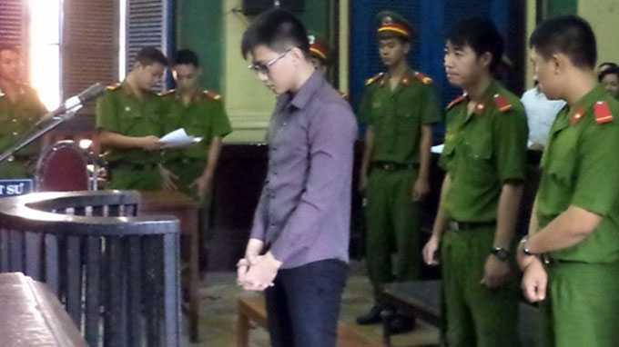 Phạm Văn Tú tại phiên xét xử