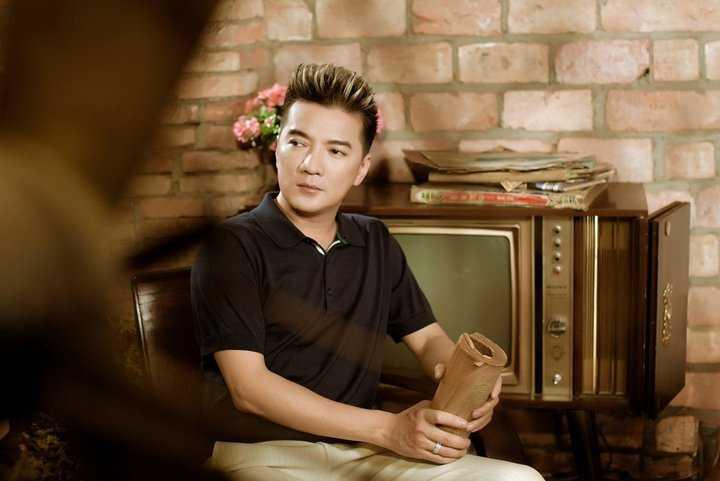 Mr Đàm sẽ tổ chức đêm nhạc chia sẻ yêu thương với nghệ sỹ Hoàng Lan