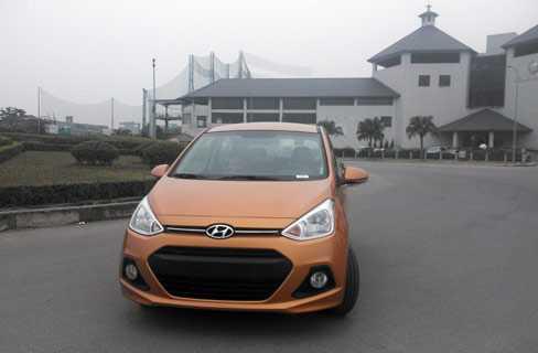 Trong khi Hyundai Grand i10 dễ lọt mắt các khách hàng chuộng đồ ngoại.