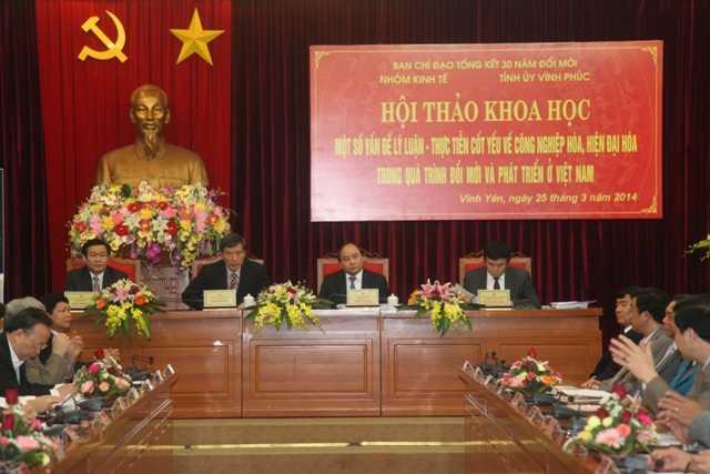 """Hội thảo khoa học """"Một số vấn đề lý luận – thực tiễn cốt yếu về công nghiệp hóa, hiện đại hóa trong quá trình đổi mới và phát triển ở Việt Nam"""""""