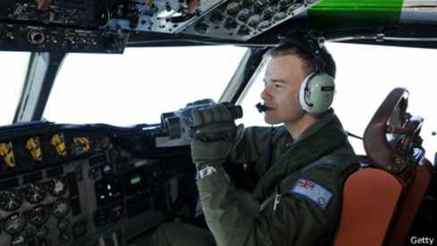 Các phi công gặp phải thời tiết quá xấu và buộc phải quay về