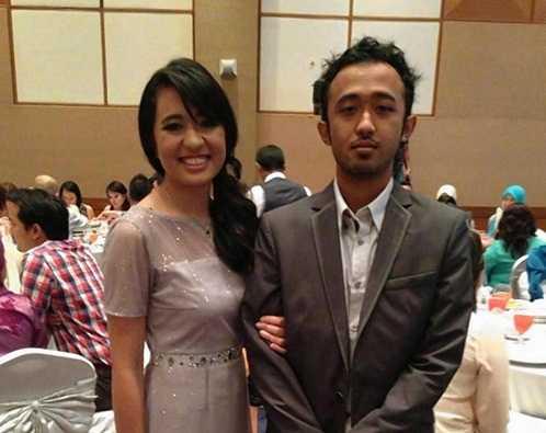 Ahmad Seth và chị gái Aishah Zahrie