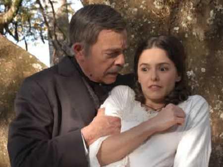 Gã háo sắc Leoncio và nàng nô tỳ Isaura.