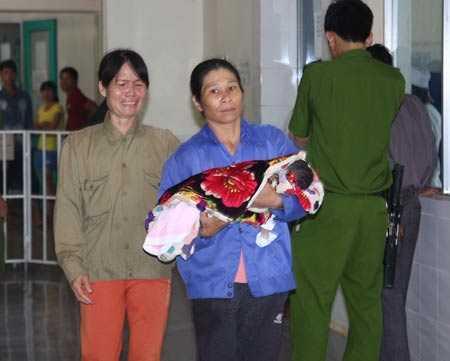 Một trẻ sơ sinh tử vong vì y tá tiêm nhầm thuốc tại bệnh viện đa khoa huyện Hướng Hóa, Quảng Trị.