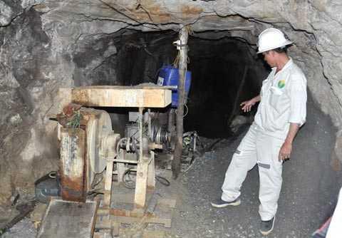 Cận cảnh một hầm khai thác vàng trái phép tại vùng núi Tam Lãnh