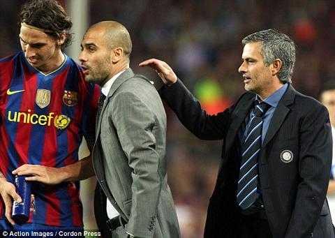 Mourinho không hài lòng khi Pep mắng Ibra.