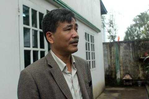 Doanh nhân Nguyễn Quốc Hòa trao đổi với phóng viên