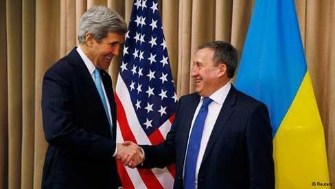 Ngoại trưởng Mỹ John Kerry (trái) gặp quyền Ngoại trưởng Ukraine Andriy Deshchytsya tại cuộc gặp song phương ở Geneva ngày 17/4.
