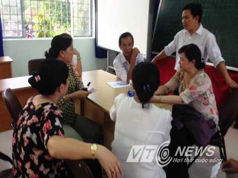 Cơ quan chức năng làm việc với trường tiểu học Long Bình làm rõ nguyên nhân sự cố hàng chục em học sinh bị ngộ độc thực phẩm